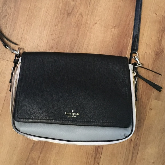 kate spade Handbags - Kate Spade Cobble Hill Crossbody - New without Tag